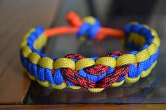 diy paracord  bracelet, easy project for kids too!