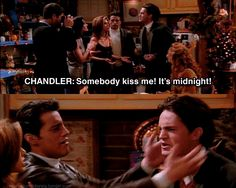 When they shamelessly and unabashedly saved each other from romantic doom. | 25 Moments When Joey And Chandler Won At Friendship