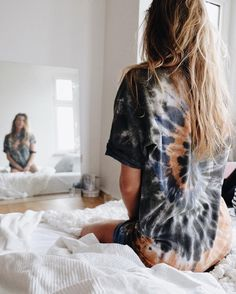 Like this tie dye Inspiration Photoshoot, Style Inspiration, Poses, Swagg, What To Wear, Cute Outfits, Stylish, My Style, Lazy Days
