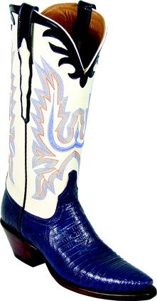 Discover Lucchese, Texas bootmaker crafting the finest handmade Western, cowboy and cowgirl boots since Custom Cowboy Boots, Custom Boots, Cowboy Boots Women, Cowgirl Boots, Western Boots, Western Wear, Cowboy Gear, Cowboy Hats, Mode Country