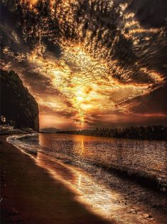Intuitive Empath, Dream Interpretation, Look At The Sky, Ocean Sunset, Psychic Readings, Sunset Photography, Location History, Amazing, Beach