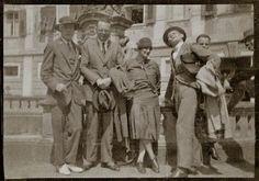 Oskar SchlemmerandPaul Kleewith friends on a trip to Switzerland. 1920s