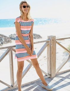 Everyone needs an easy-to-slip-on tunic. Pull this one on over your bikini for a trip to the beach, or over skinny jeans for relaxed weekend lunch dates. It's got pockets (always handy) and the ties are removable if you prefer an even more laid-back fit.