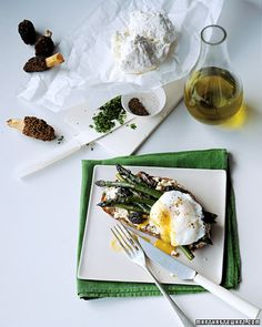 Morel and asparagus sandwiches with poached egg - Martha Stewart recipes
