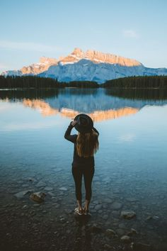 Ready to take your photographs to the next level Were here spilling the secrets to all the beautiful photo spots in Banff National Park perfect for impressing your online. Top 10 Instagram, Instagram Worthy, Banff Photography, Travel Photography, Photography Props, Children Photography, Parc National, Banff National Park, Vancouver