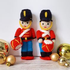 Knitted Toy Soldiers : Knit your own Festive Nutcracker Soldiers! Toy Soldier knitting pattern by Claire Fairall designs. Baby Knitting Patterns, Christmas Knitting Patterns, Weaving Patterns, Loom Knitting, Christmas Soldiers, Nutcracker Soldier, Easy Knitting Projects, Knitted Flowers, Knitted Animals