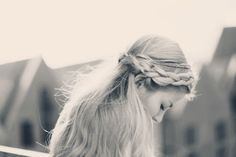 braid, messy, blonde, long hair - odernichtoderdoch.de #hair #inspiration