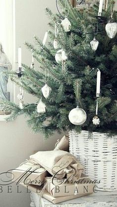 Christmas tree - white Christmas theme - LOVE!!!!