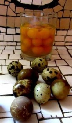 Are you looking for information on quail eggs? You will find them on this page -- together with easy recipes based on quail eggs and quail meat....