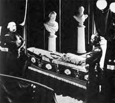 photo of Lincoln lying in an open coffin is the only one that exists. It was taken by photographer Jeremiah Gurney, Jr., on April 24, 1865, as the president's body lay in state in City Hall in New York. It was immediately confiscated by Secretary of War Edwin Stanton (1814-1869) and was hidden away for 87 years until it was discovered in the Illinois State Historical Library in 1952, by then 15-year-old Ronald Rietveld, who was researching the papers of Lincoln