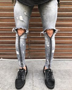 Loyalkids Denim Fashion, Fashion Outfits, Fashion Trends, African Men Fashion, Denim Jeans Men, Super Skinny Jeans, Casual Wear, Beauty Salons, Menswear