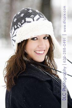 Senior Picture / Photo / Portrait Idea - Girls - Winter