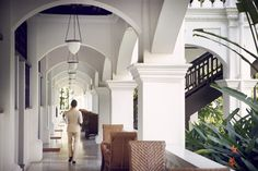 Raffles Singapore | An Oasis in the Garden City for the Luxury Traveller  | Butler Service www.raffles.com/singapore