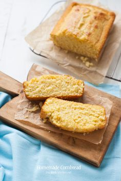 I have been wanting to shout from the rooftops about this cornbread recipe ever since I had it a couple of months ago. Seriously, it's the best ever cornbread! Best Cornbread Recipe, Tasty Bread Recipe, Homemade Cornbread, Bread Recipes, Cooking Recipes, Different Recipes, Sweet Bread, Bread Baking, Food To Make