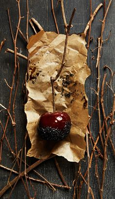 An Apple a Week: Black Sugar Candy Apples: great idea for a harvest or Halloween party!