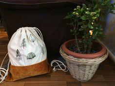 Végre elkészült a hímzett táskám! ☺️ Holnap meskára is felteszem!! . . . . #kissedstitch #sewingaddict #táska #memade #sewing #bag… Bagan, Organization, Stitch, Instagram, Home Decor, Getting Organized, Organisation, Full Stop, Decoration Home
