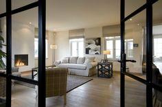Huis te koop in Torhout - 223m² - 700 000 € - Logic-immo.be - Mooi gelegen woning in landelijke stijl met achterliggend weiland, instapklaar.E403 vlot bereikbaar, vlakbij het centrum.Adres:Roeselaarseweg 35, 8820 TorhoutIndeling gelijkvloers: garage, vide, toile...