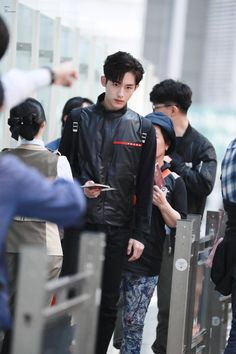 He's so tall and handsome as hell, he's so bad but does it so well~ Nct Dream Members, Nct U Members, China, I Got You Fam, Nct Winwin, Sm Rookies, Fandoms, Guy Names, Kpop Boy