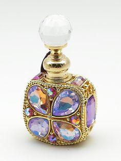axes femme online shop ブリリアントビジュー香水瓶 Antique Perfume Bottles, Vintage Bottles, Clean Perfume, Perfumes Vintage, Beautiful Perfume, Bottle Art, Antique Glass, Glass Bottles, Vases