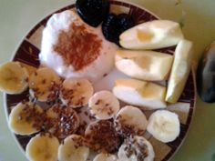 1banana, flax seeds, 1/2apple, yoghurt, cinnamon, dried plumbs