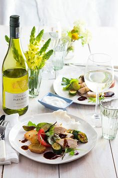 Fleur du Cap Chenin Blanc paired with Chicken in a Khoisan salted crust / Fleur du Cap Chenin Blanc maridado con pollo salteado con verduras