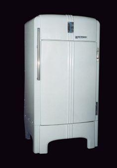 Raymond Lowey, Coldspot refrigerator designed for Sears-Roebuck, 1935