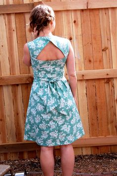 Simplicity pattern 2248, back view