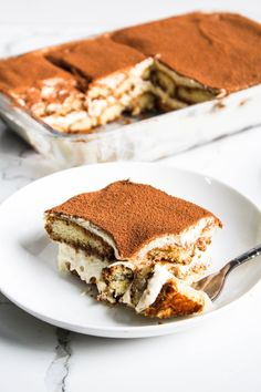 Delicious, no bake, easy and EGGLESS Tiramisu recipe - my take on an Italian classic dessert. This non-tradtional eggless tiramisu recipe is the most perfect no bake dessert for every coffee lover Sweet Recipes, Cake Recipes, Dessert Recipes, Brunch Recipes, Tiramisu Recipe No Eggs, Köstliche Desserts, Delicious Desserts, Fudge, Brownies