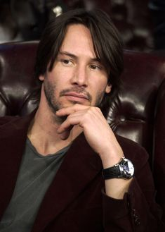"""pinenut — Keanu Reeves during The Cast of """"The Matrix. Keanu Reeves John Wick, Keanu Charles Reeves, Hot Actors, Actors & Actresses, Keanu Matrix, Keanu Reeves Matrix, Hollywood, Mtv, Keanu Reeves Zitate"""