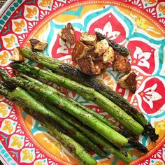 Quick lunch. Got me some asparagus spears at Costco yesterday so just grilled them on my @lodgecastiron pan in butter. Made some fresh paneer this morning and it was read so added in an ounce of it at the end and fried it crisp. Squeeze some lemon on top with some salt and Done! . . . . . #vegketobyrads #indianketo #indiansinusa #asparagus #asparagusgrilled #paneer #quicklunch #recipe #recipes #recipeideas #mylunch #mykitchen #keto #ketofam #lowcarb #lowcarbvegetable #vegetables #instapic…