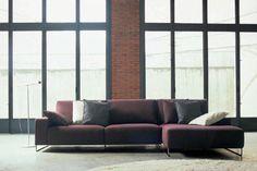 Sofá en tela en color granate