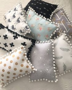 It's been a Pom Pom pillow kinda day! Kids asleep, now time to do the million ot. : It's been a Pom Pom pillow kinda day! Kids asleep, now time to do the million other things on my list for today. Seriously not enough time… Bow Pillows, Cute Pillows, Sewing Pillows, Kids Pillows, Decor Pillows, Sewing Crafts, Sewing Projects, Pillow Crafts, Pom Pom Crafts