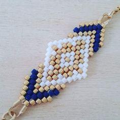 L'association d'un joli tissage de perles miyuki fait main aux couleurs élégantes et d'une chainette plaqué or compose ce joli bracelet. Le bracelet mesure 19 cm et le tissage 5 - 18435868