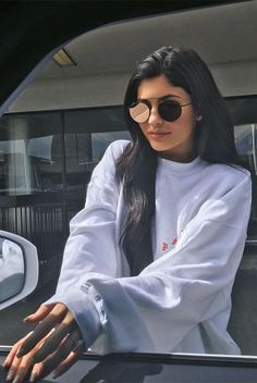 Kylie Jenner, Tyga Spark Engagement Rumors with Diamond Ring, 'Mr and Mrs' Kylie Jenner Outfits, Photoshoot Kylie Jenner, Kendall E Kylie Jenner, Trajes Kylie Jenner, Looks Kylie Jenner, Estilo Kylie Jenner, Kylie Jenner Instagram, Kris Jenner, Kardashian Jenner