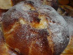 Placinte cu branza Romanian Food, Pan Dulce, Strudel, Bon Appetit, Deserts, Dessert Recipes, Cooking Recipes, Tasty, Bread