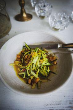 det bästa jag ätit som jag kommer att laga ofta hädan efter | Foodjunkie | Bloglovin' Japchae, Thai Red Curry, Zucchini, Good Food, Food And Drink, Healthy Recipes, Healthy Food, Vegetarian, Favorite Recipes