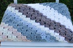 Hvordan hekle hjørne til hjørne. Lær å hekle c2c, norsk video -Yarnhild Blanket, Crochet, Threading, Crochet Hooks, Blankets, Crocheting, Carpet, Thread Crochet, Hooks