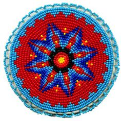 20 Native American Beadwork Patterns, Don't you love free beadwork patterns? Who doesn't - especially when they are organized based on the stitch type and created by some of the top na. Native Beading Patterns, Beadwork Designs, Seed Bead Patterns, Indian Beadwork, Native Beadwork, Native American Beadwork, Native American Patterns, Native American Crafts, Bag Crochet