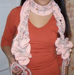 Bufanda con cordones