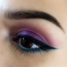 Modern renaissance palette X  Urban decay electric palette  Shades : jilted , urban on lid. Gonzo on lash line. Ud vice shadow Dejavu in inner corner. Benefit kabrow shade #4 . Makeupforever mascara. NYC liquid liner, MAC white eye liner