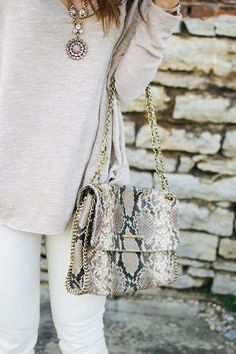 elaine turner bag and monochromatic