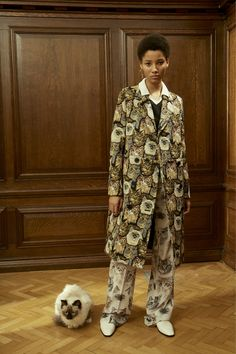 """""""There's a cat on my coat and my pants!"""" Stella McCartney Pre-Fall 2016 Fashion Show...for the crazy cat lady in you."""