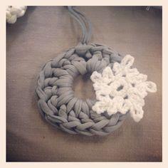 Crochet wreath decoration
