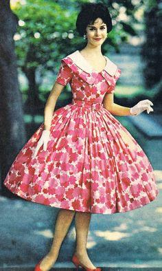 50s Dresses, Women's Fashion Dresses, Vintage Dresses, Vintage Outfits, Floral Dresses, Fifties Fashion, Retro Fashion, Vintage Fashion, Womens Fashion