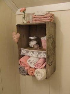 Riciclare cassette da frutta per decorare il vostro #bagno, magari quello della vostra #casa #vacanza :-) Minimizzando i costi e massimizzando i profitti!
