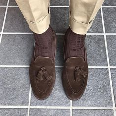 Cavendish in Dark Brown Calf Suede - photo credit @ takadaofficial Mens Dress Loafers, Tassel Loafers, Loafers Men, Best Loafers, Mens Tailored Suits, Nigerian Men Fashion, Gentleman Shoes, Shoes World, Classy Men