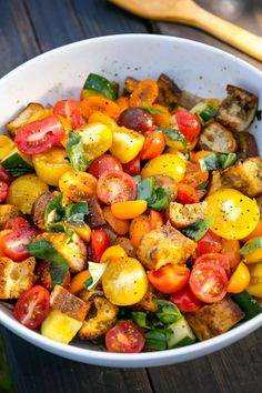 14 Tomato Salad Recipes Better Than Lettuce | Summer Panzanella