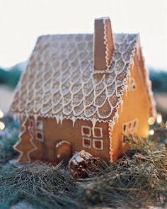Google Image Result for http://static.littlescandinavian.com/2012/11/swedish_gingerbread_house-e1352805372466.jpg