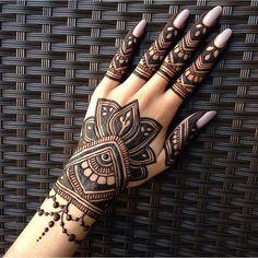 6,282 отметок «Нравится», 443 комментариев — Ubercode: henna50 (@hennainspire) в Instagram: «Henna @mehndi_minsk»