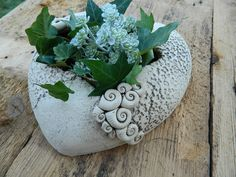 Keramik Pflanzgefäß Herz von floramik auf DaWanda.com